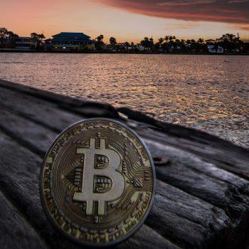 De voordelen van gebruik van bitcoin en creditcard tijdens het reizen