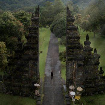 Backpacken In Tana Toraja, Bekijk bijzondere begrafenisrituelen In Zuid-Sulawesi